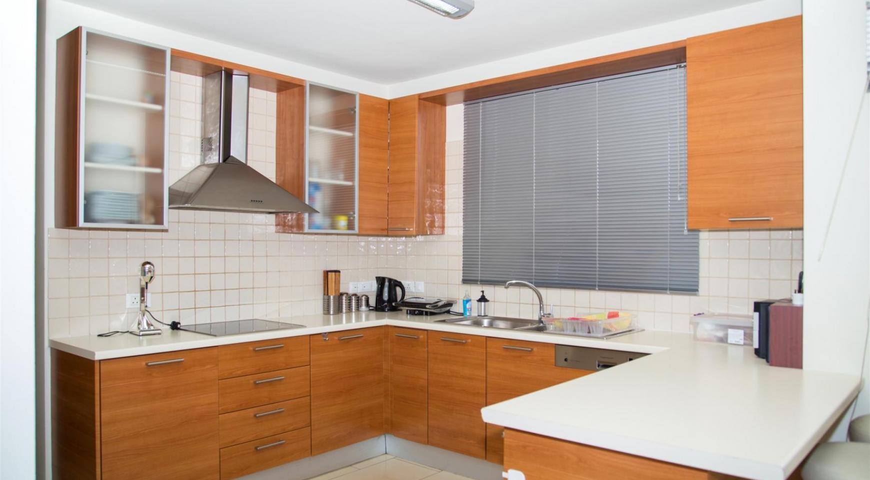 Modern Luxury 4 Bedroom Villa in Sfalagiotisa, Agios Athanasios - 24