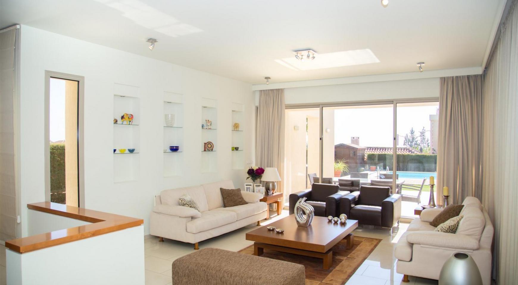 Modern Luxury 4 Bedroom Villa in Sfalagiotisa, Agios Athanasios - 12