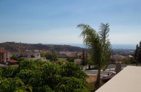 Modern Luxury 4 Bedroom Villa in Sfalagiotisa, Agios Athanasios - 40