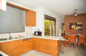 Modern Luxury 4 Bedroom Villa in Sfalagiotisa, Agios Athanasios - 56