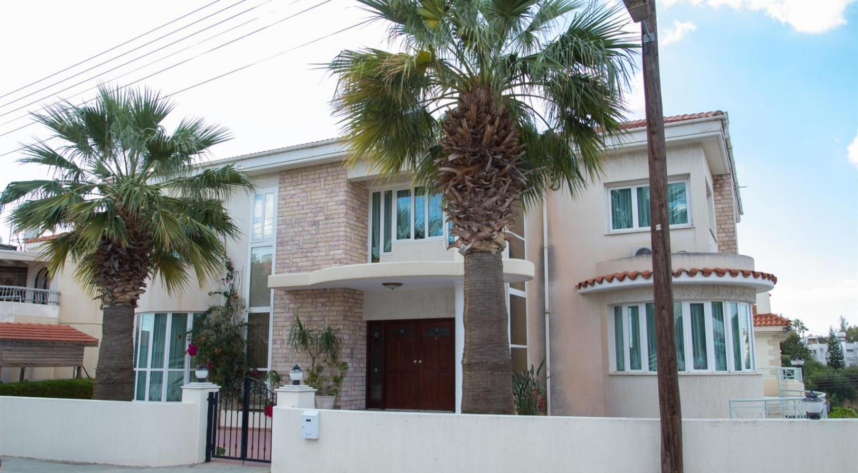 Spacious 4 Bedroom Villa in Germasogeia - 1