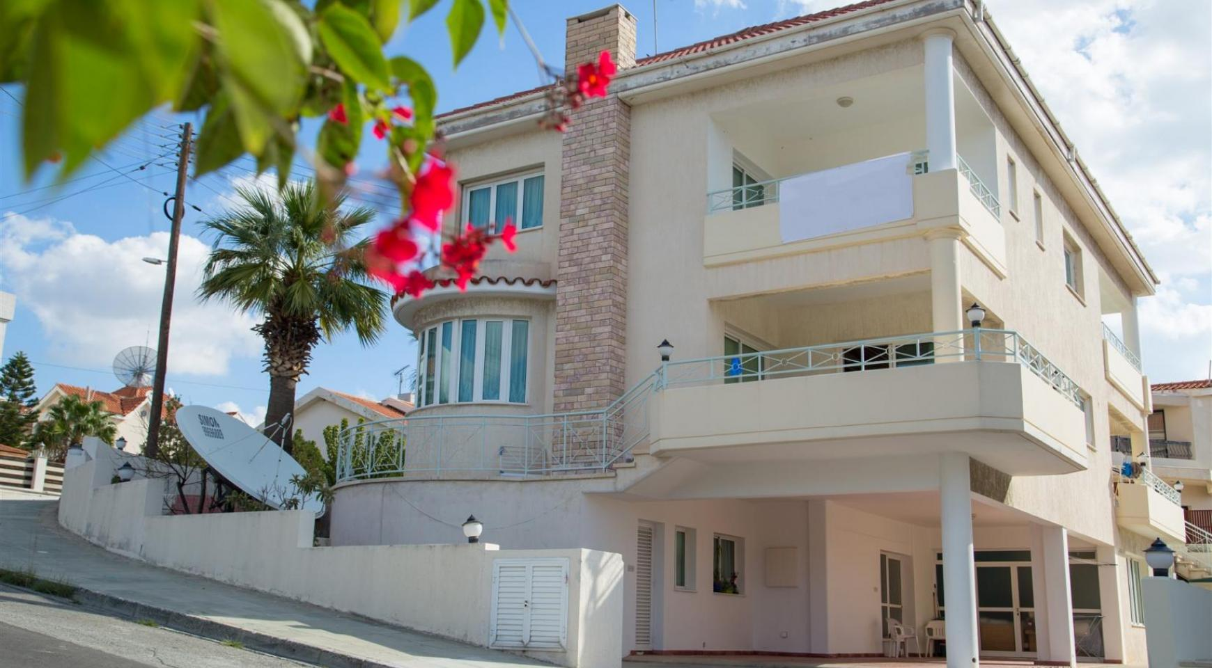 Spacious 4 Bedroom Villa in Germasogeia - 5