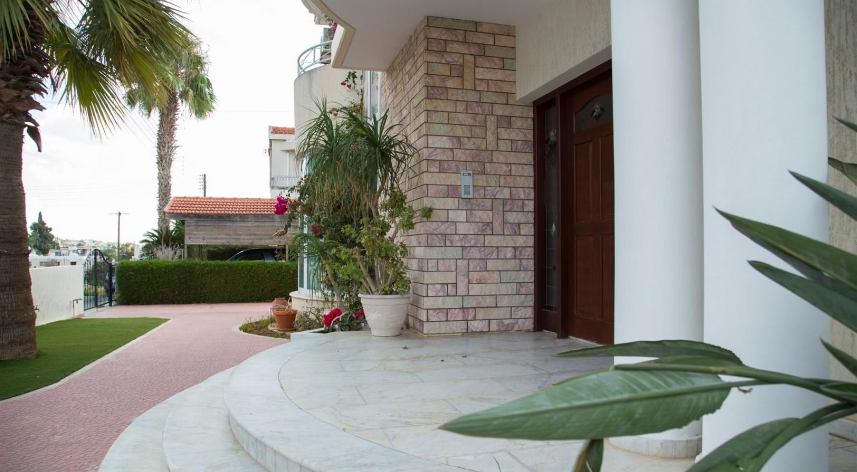 Spacious 4 Bedroom Villa in Germasogeia - 2