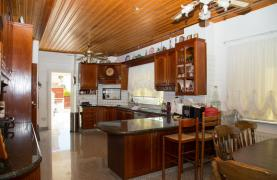 Spacious 4 Bedroom Villa in Germasogeia - 41