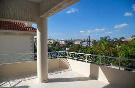 Spacious 4 Bedroom Villa in Germasogeia - 44