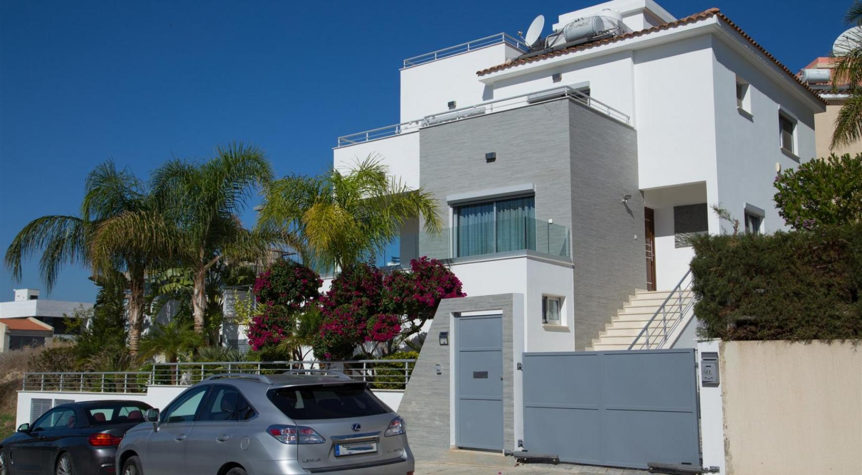 Contemporary 3 Bedroom Villa with Breathtaking Sea views in Agios Tychonas - 37