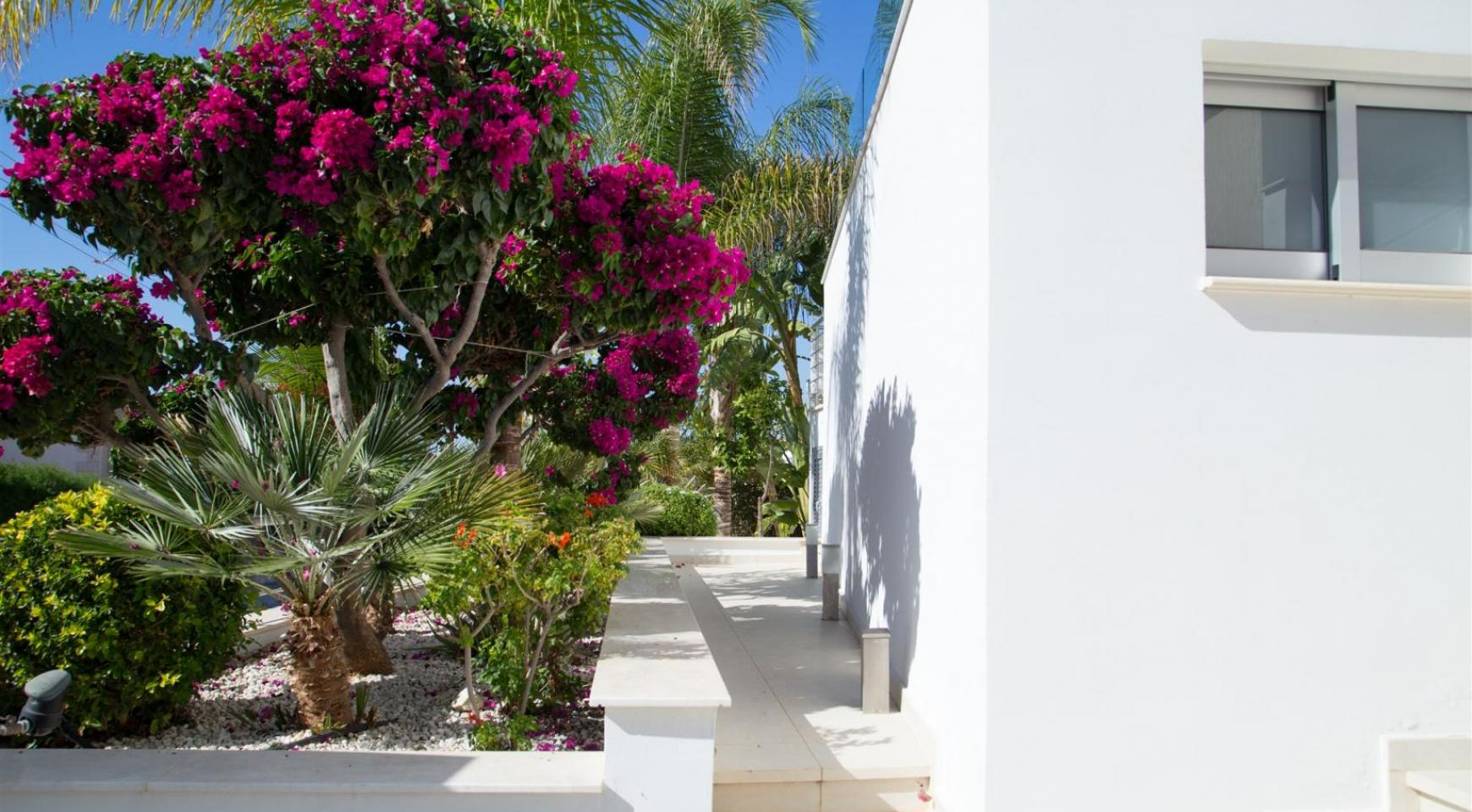 Contemporary 3 Bedroom Villa with Breathtaking Sea views in Agios Tychonas - 32