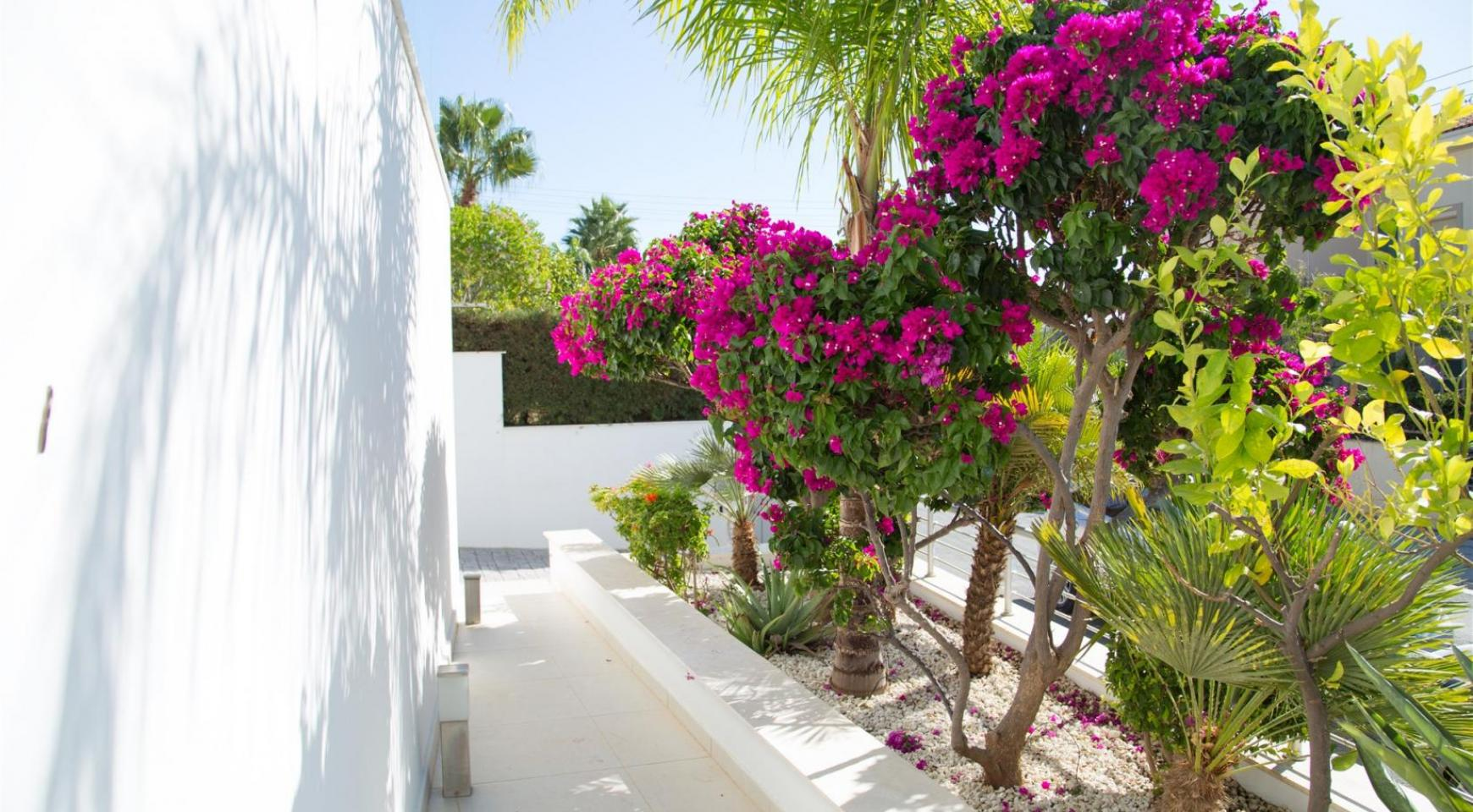 Contemporary 3 Bedroom Villa with Breathtaking Sea views in Agios Tychonas - 28
