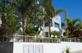Contemporary 3 Bedroom Villa with Breathtaking Sea views in Agios Tychonas - 40