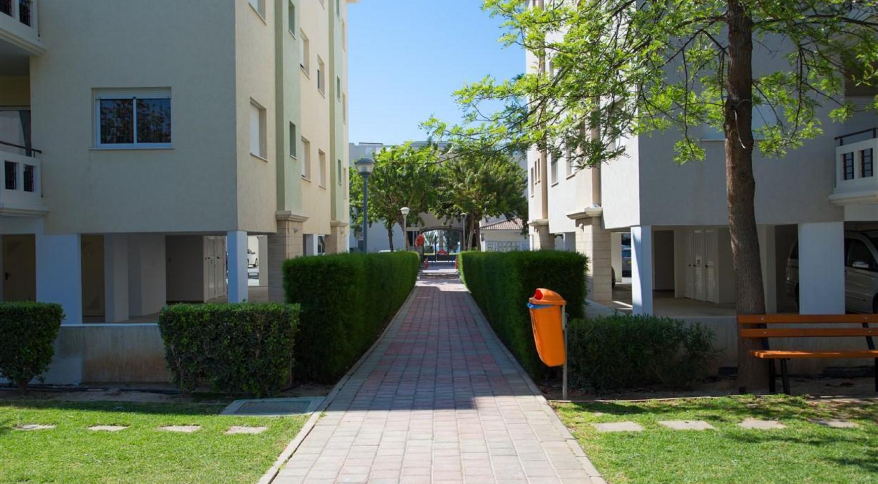 2 Bedroom Apartment in a Prestigious Complex near the Sea - 8