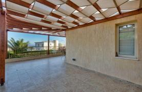Cozy 4 Bedroom Villa with Amazing Sea and City Views in Germasogeia - 23
