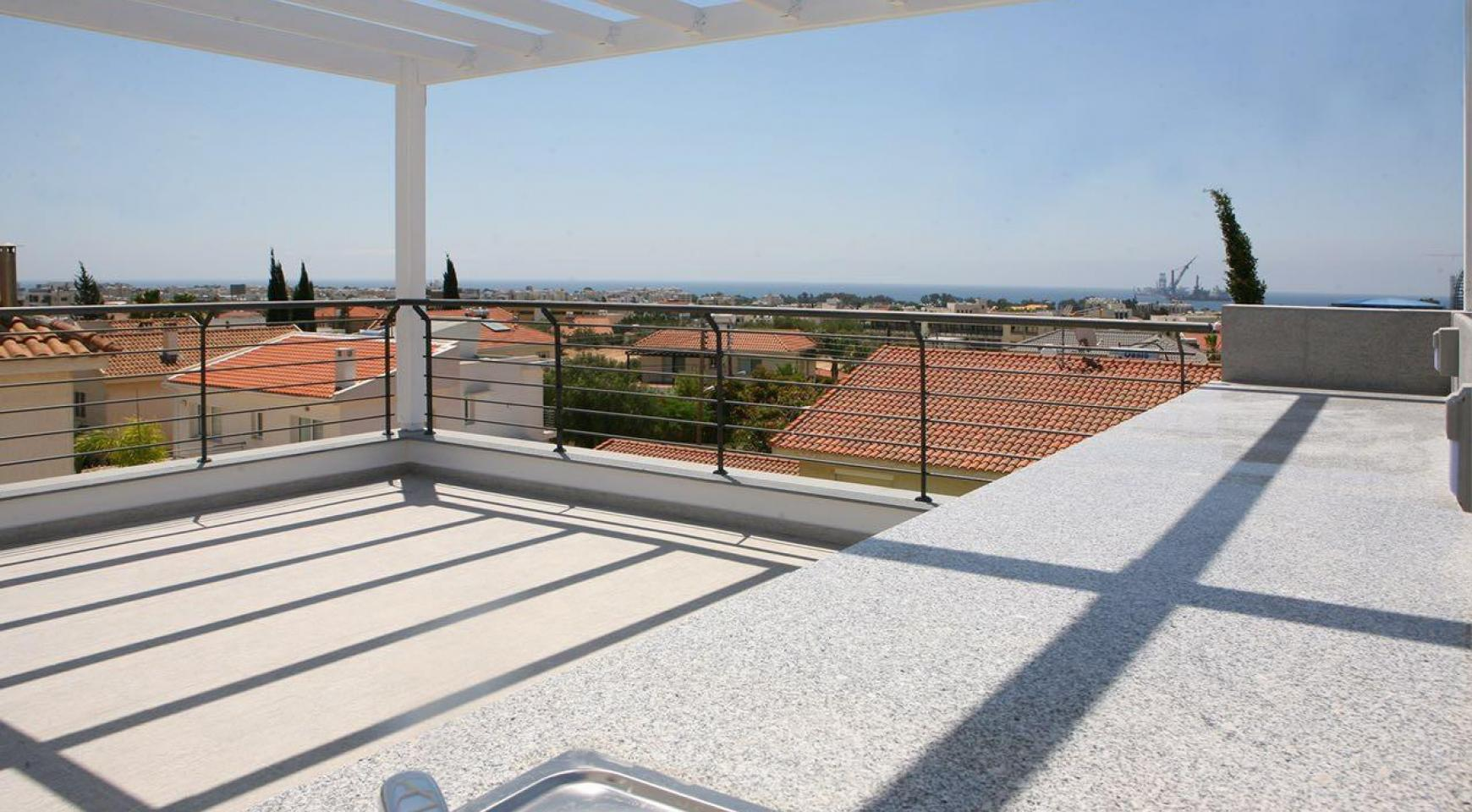 New Contemporary 3 Bedroom House in Central Location - 9