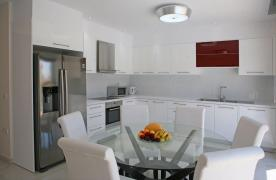 New Contemporary 3 Bedroom House in Central Location - 22