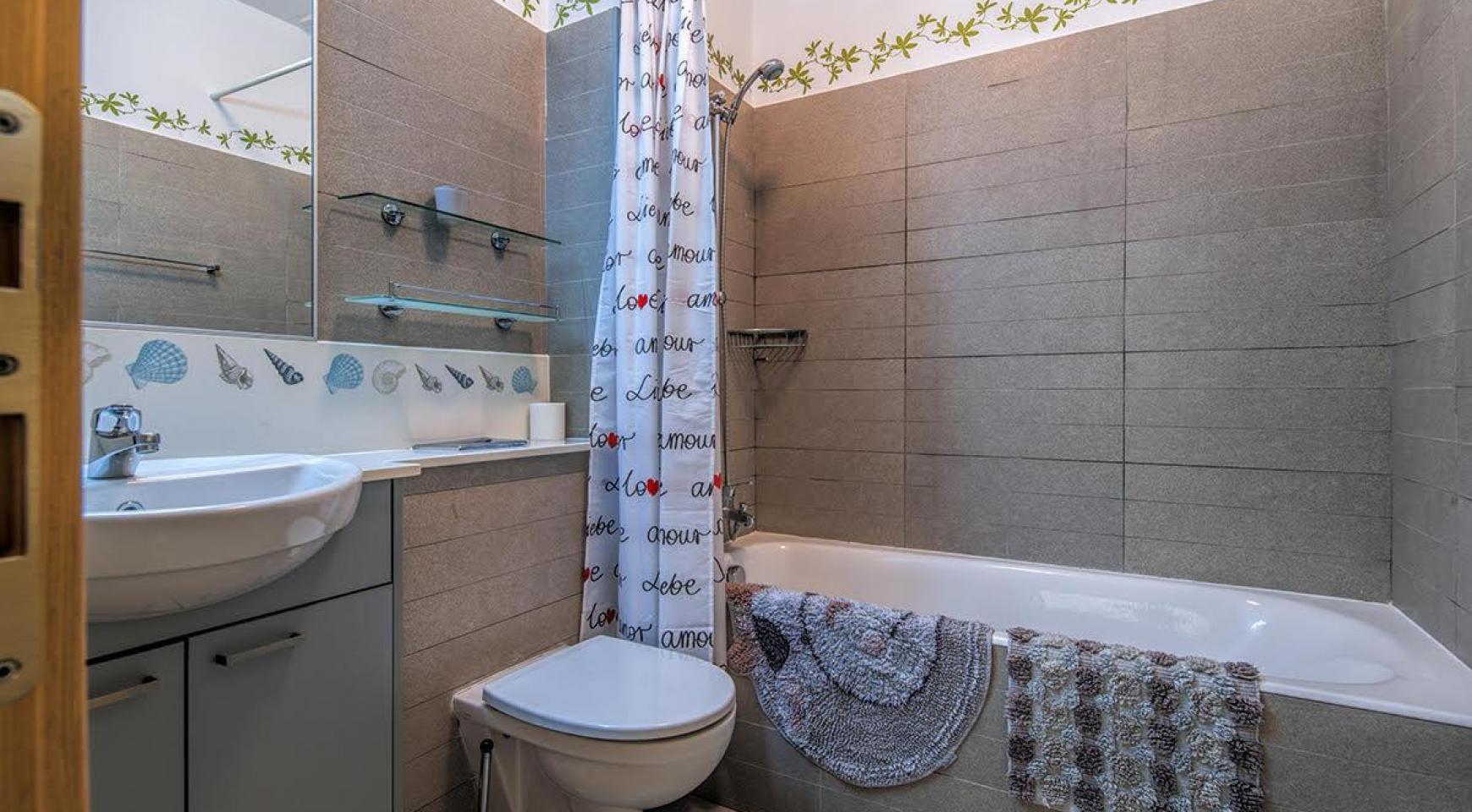 2 Bedroom Duplex Apartment in a Prestigious Complex near the Sea - 15