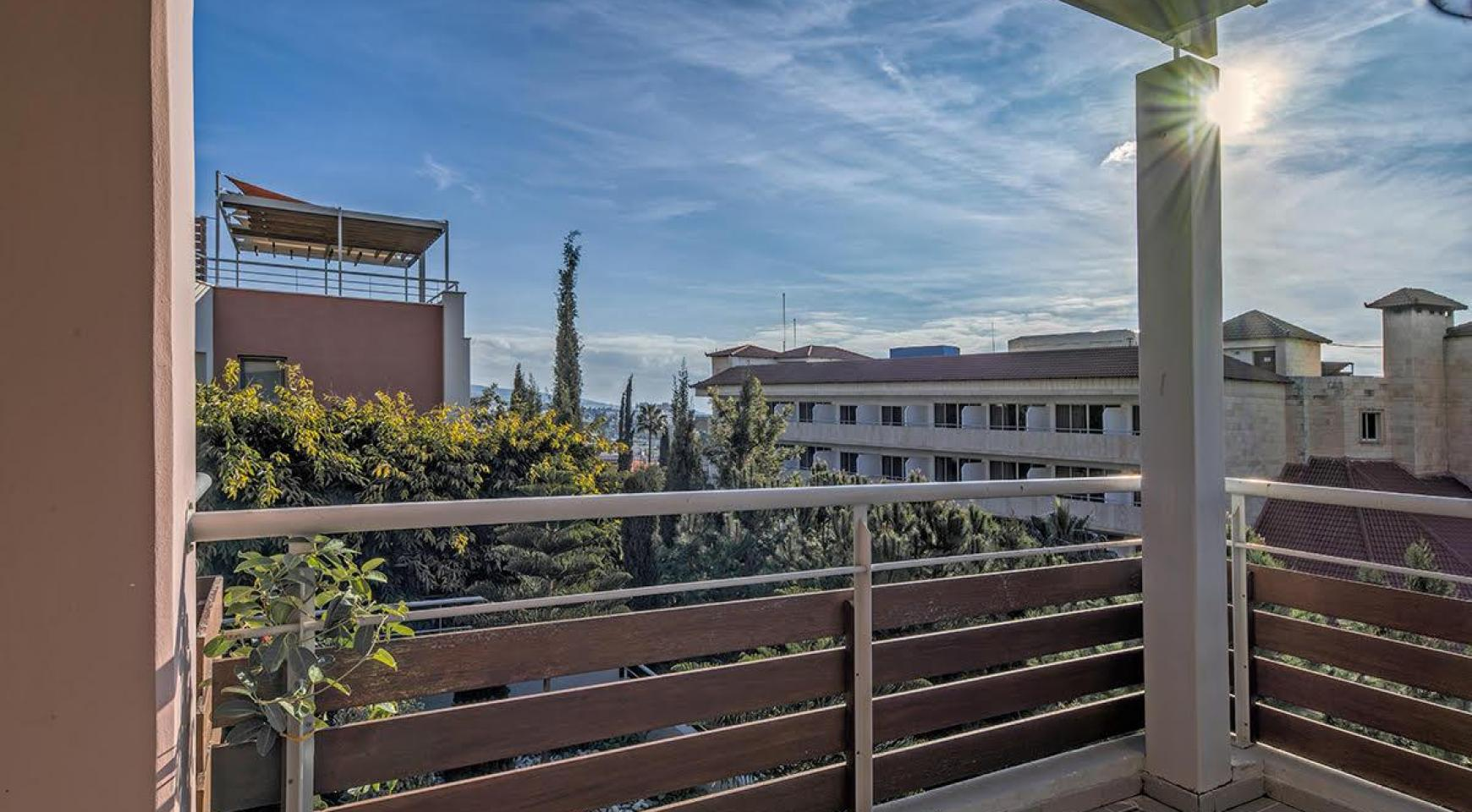 2 Bedroom Duplex Apartment in a Prestigious Complex near the Sea - 10