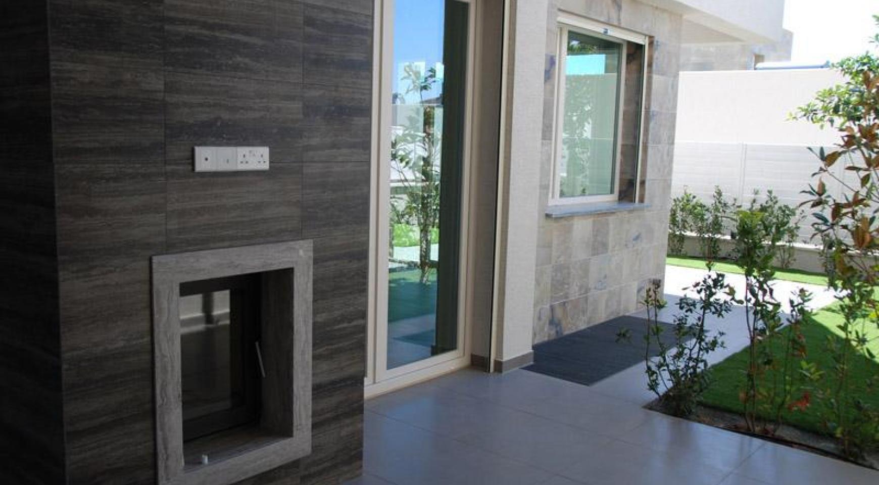 Luxurious 4 Bedroom Villa in a Prestigious Complex near the Sea - 6
