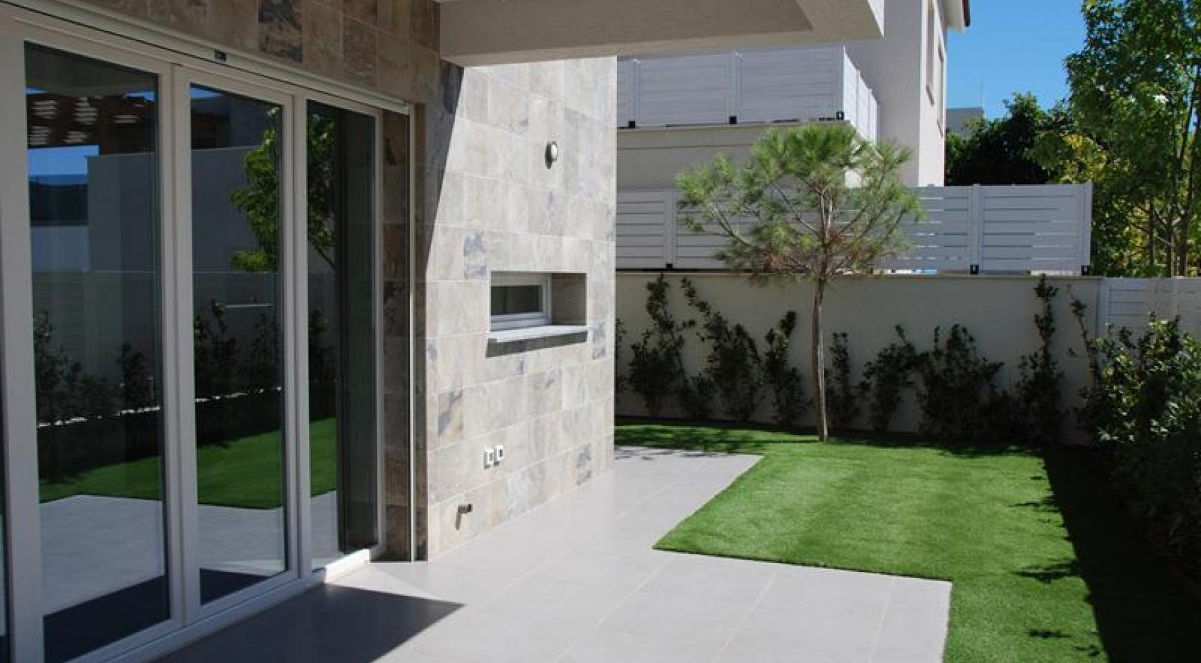 Luxurious 4 Bedroom Villa in a Prestigious Complex near the Sea - 4