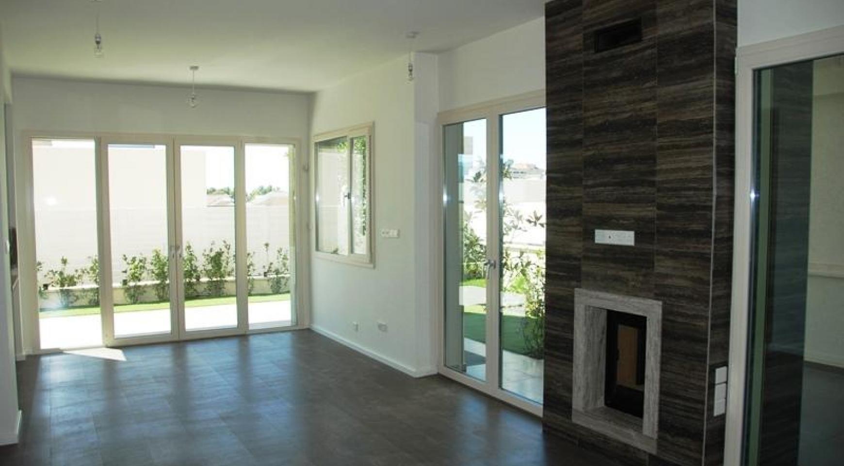 Luxurious 4 Bedroom Villa in a Prestigious Complex near the Sea - 7