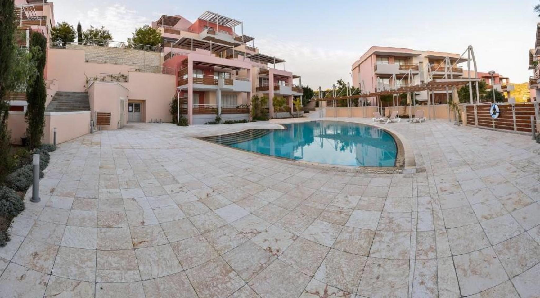 Luxury One Bedroom Apartment in a Prestigious Complex near the Sea - 7