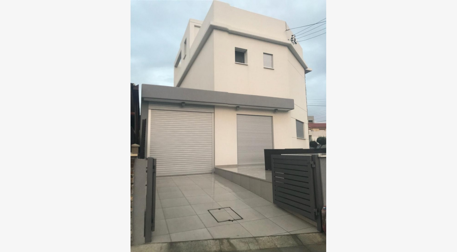 Modern 3 Bedroom Detached House in Polemidia Area - 2