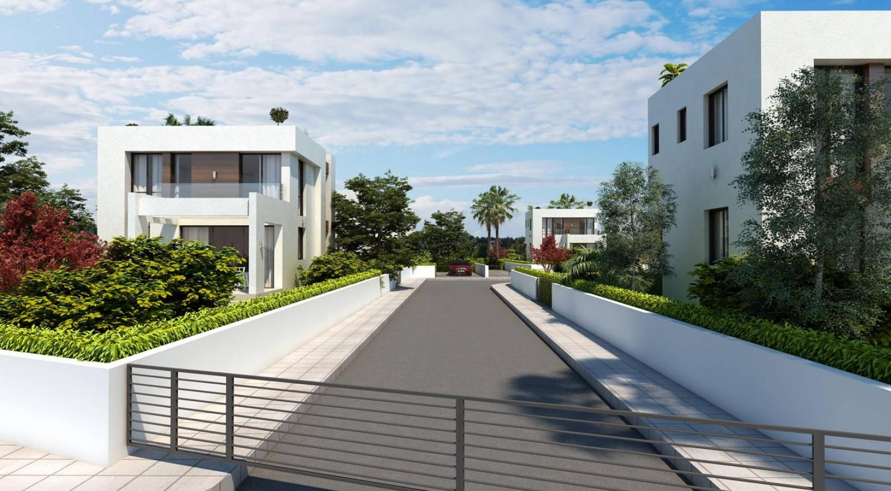 Modern 3 Bedroom Villa in a Complex near the Beach - 12