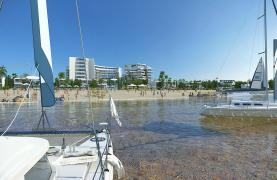 Contemporary 2 Bedroom Apartment in a New Complex by the Sea - 34