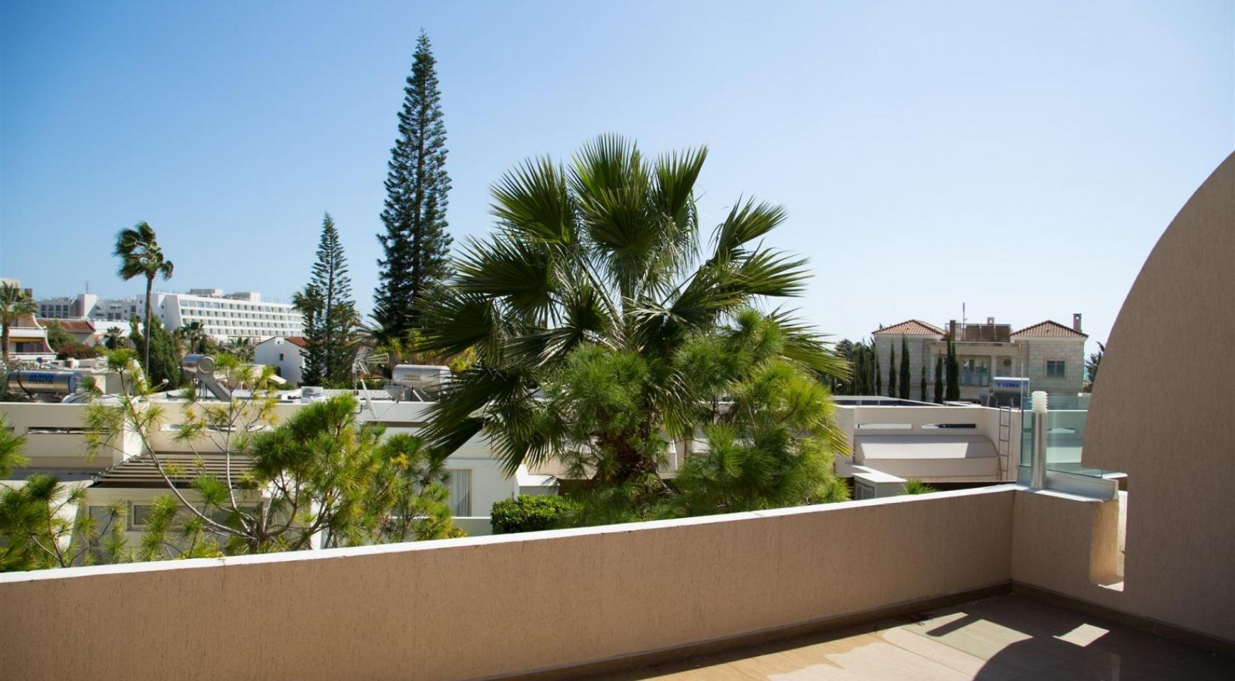 Luxury 3 Bedroom Apartment Thera Complex by the Sea - 28