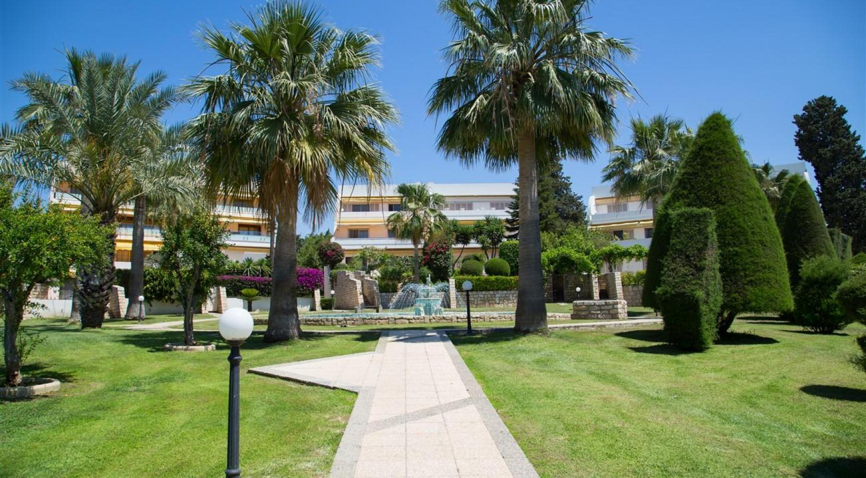 Luxury 3 Bedroom Apartment Thera Complex by the Sea - 5