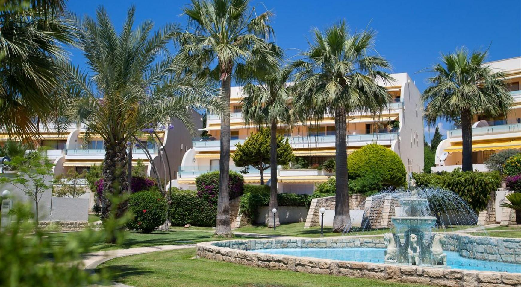Luxury 3 Bedroom Apartment Thera Complex by the Sea - 3