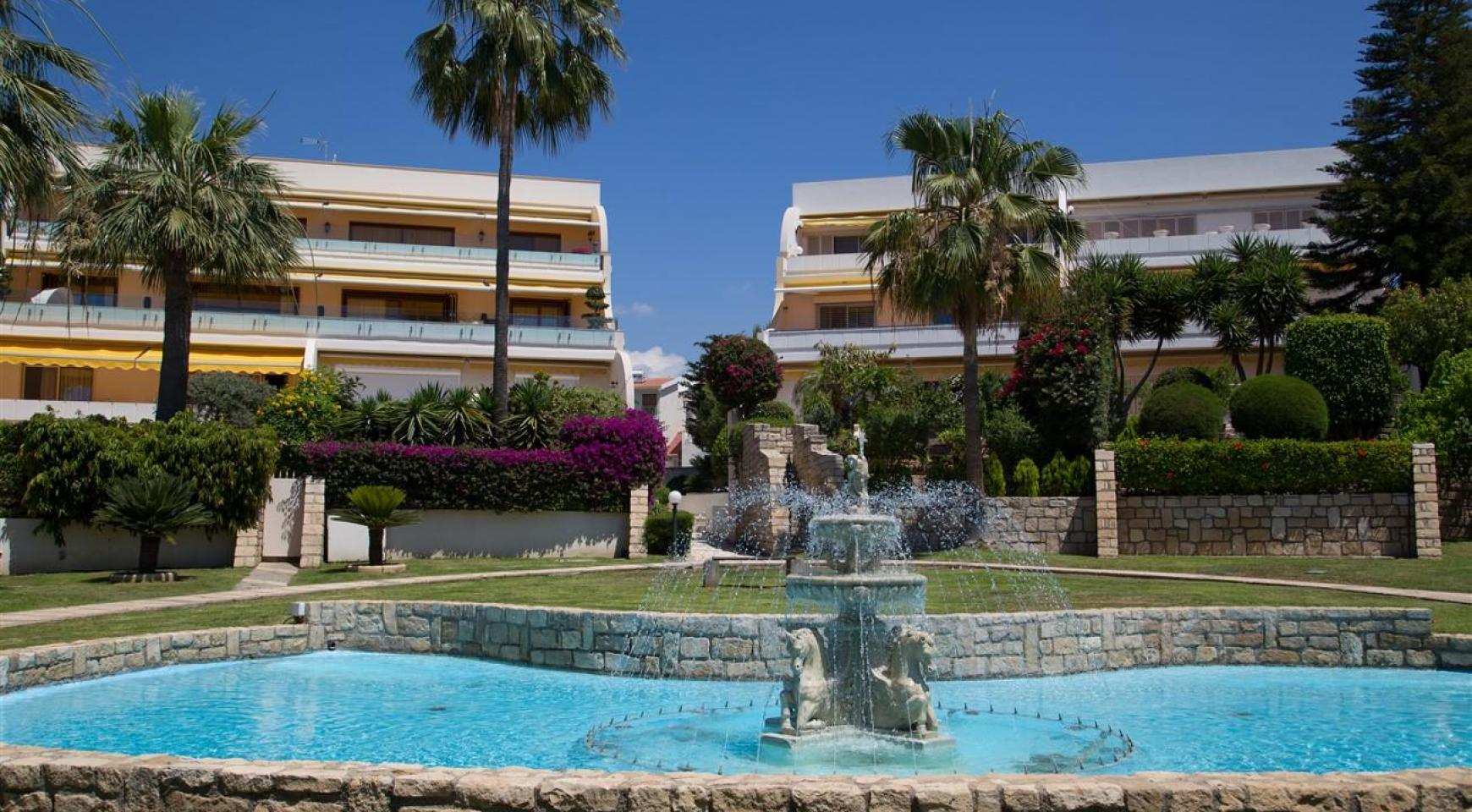 Luxury 3 Bedroom Apartment Thera Complex by the Sea - 4