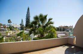 Luxury 3 Bedroom Apartment Thera Complex by the Sea - 58