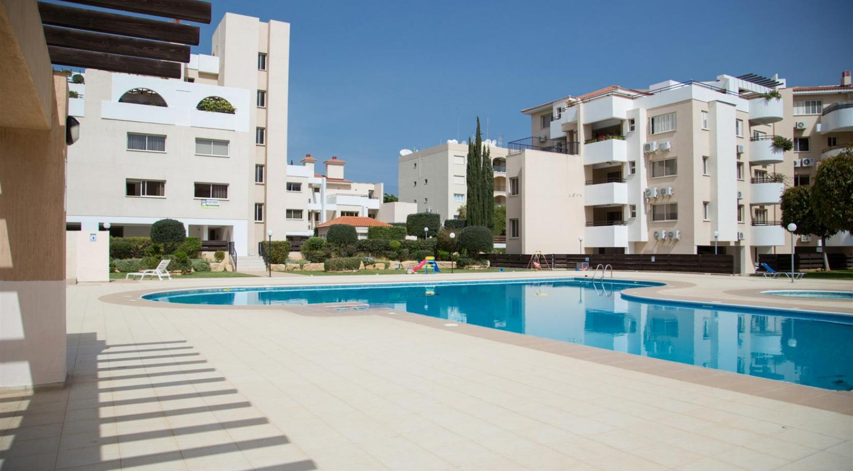 Spacious 3 Bedroom Apartment with Sea Views - 19
