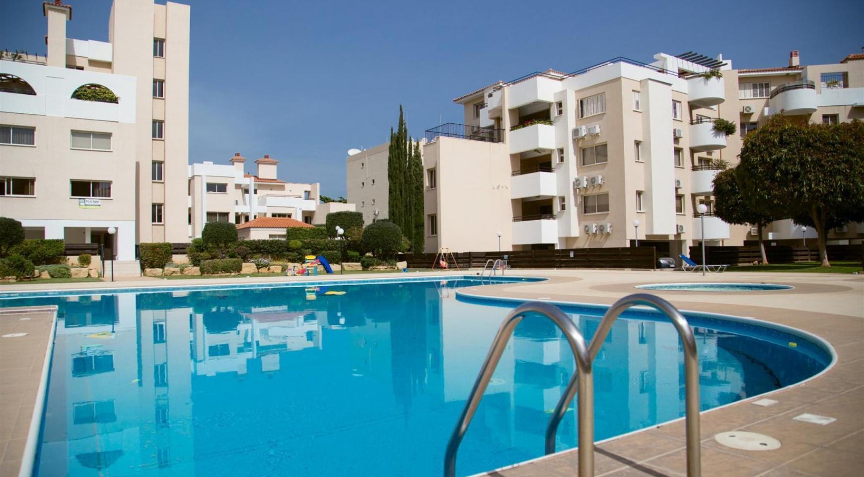 Spacious 3 Bedroom Apartment with Sea Views - 18