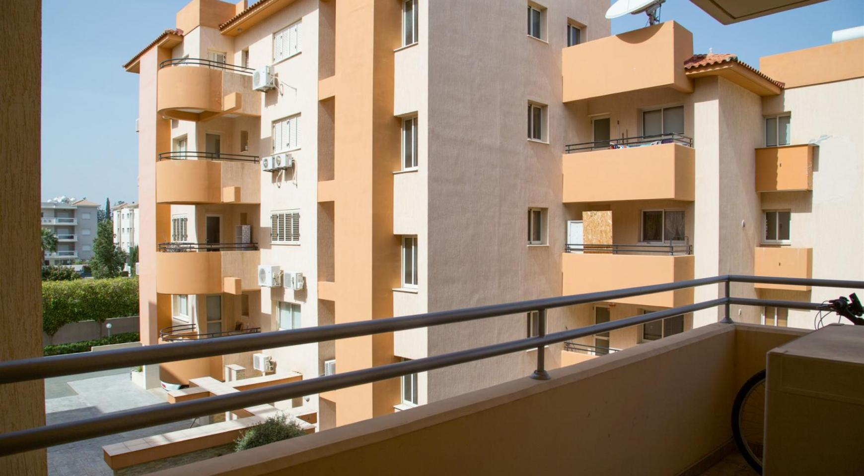 Spacious 3 Bedroom Apartment with Sea Views - 20