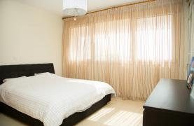 Spacious 3 Bedroom Apartment with Sea Views - 29