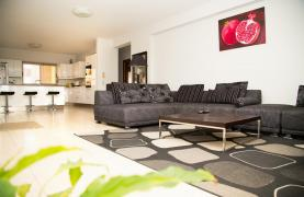 Spacious 3 Bedroom Apartment with Sea Views - 21