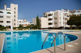 Spacious 3 Bedroom Apartment with Sea Views - 38
