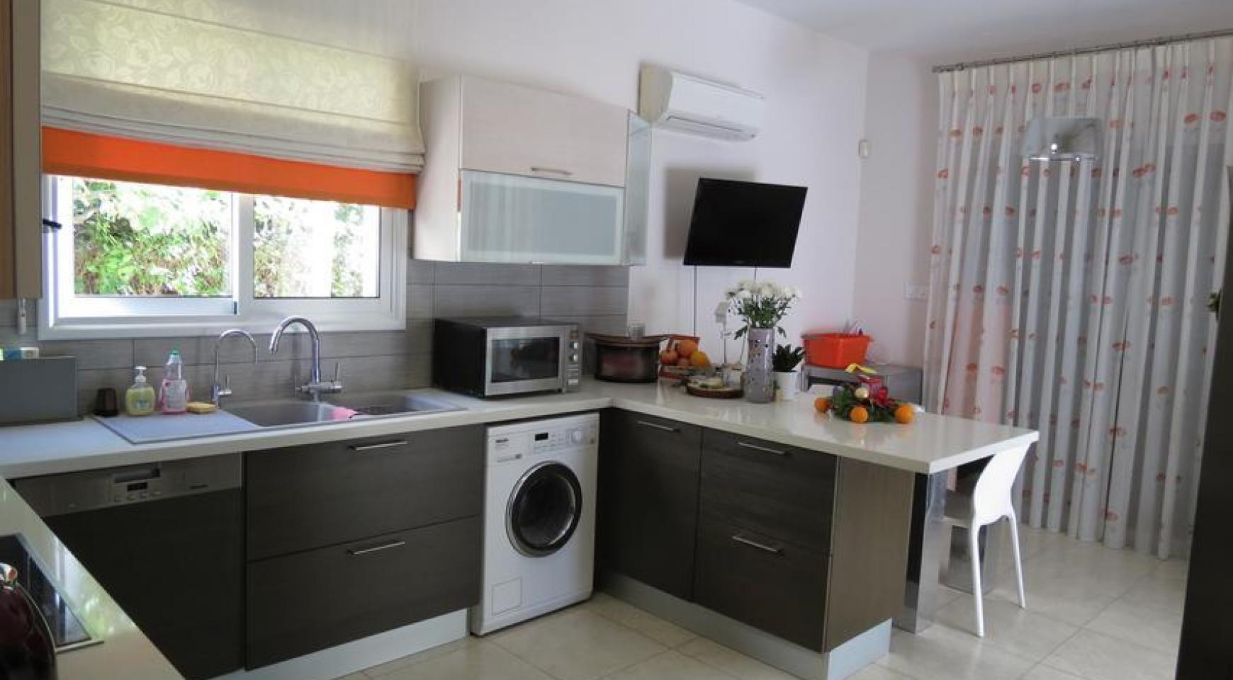 Spacious 4 Bedroom House in Moutagiaka Area - 5