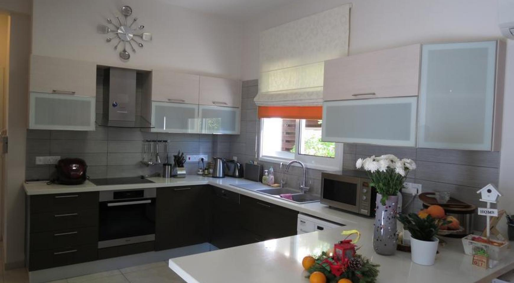 Spacious 4 Bedroom House in Moutagiaka Area - 4