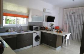 Spacious 4 Bedroom House in Moutagiaka Area - 17
