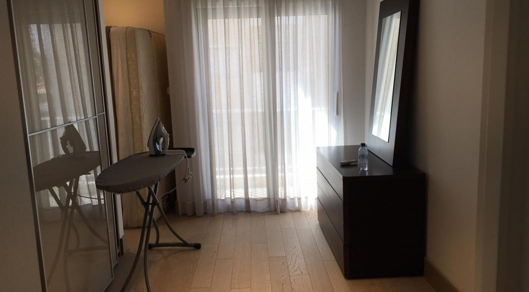 Luxury 3 Bedroom Apartment on the Seafront - 7