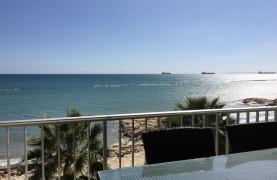 Luxury 3 Bedroom Apartment on the Seafront - 13