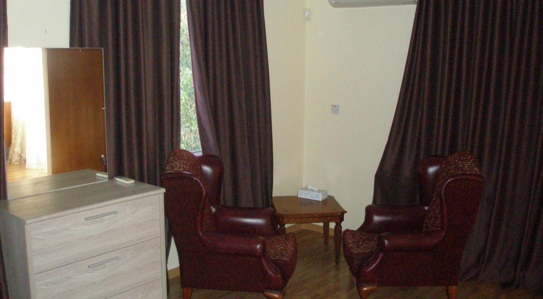 Spacious 5 Bedroom Villa with Magnificent Views in Pyrgos  - 26