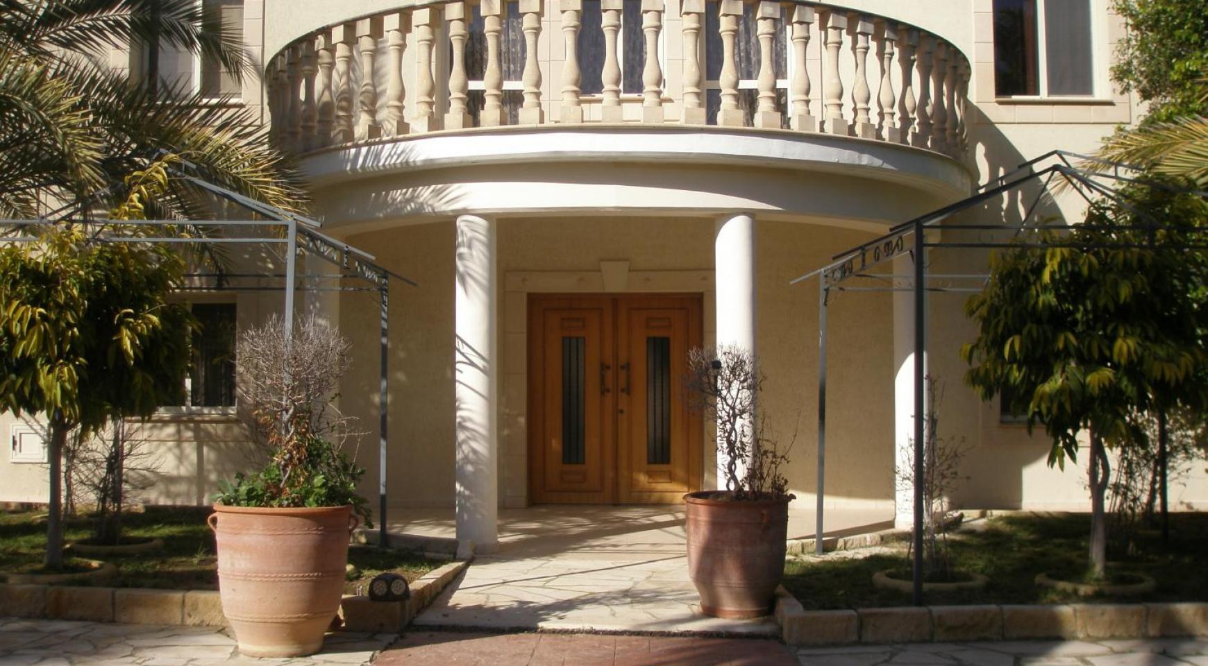 Spacious 5 Bedroom Villa with Magnificent Views in Pyrgos  - 5