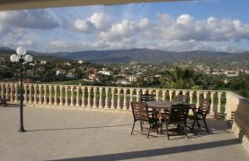 Spacious 5 Bedroom Villa with Magnificent Views in Pyrgos  - 43