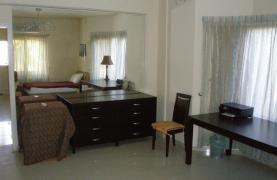 Spacious 5 Bedroom Villa with Magnificent Views in Pyrgos  - 50