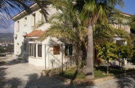 Spacious 5 Bedroom Villa with Magnificent Views in Pyrgos  - 36
