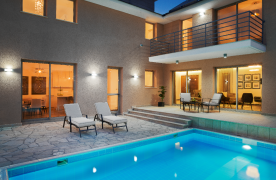Modern 4 Bedroom Villa within a Gated Complex in Amathous Area - 31