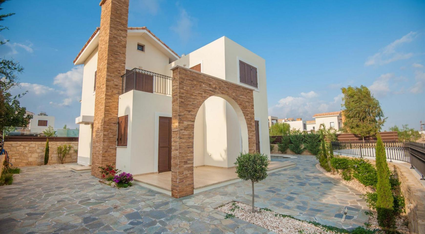 Detached 3 Bedroom Villa on the Seafront of Ayia Thekla - 18