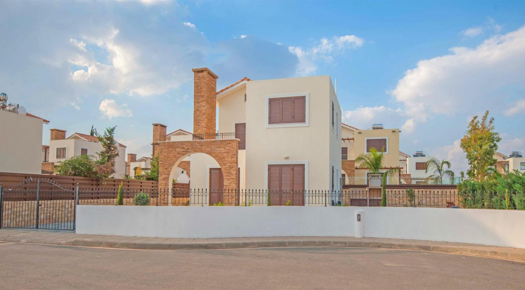 New 4 Bedroom Villa on the Seafront of Ayia Thekla - 1
